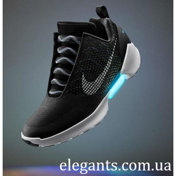 Nike представила самошнурующиеся кроссовки для массового потребителя -  последние интересные новости на сегодня на сайте супермаркета c7dbb31a139