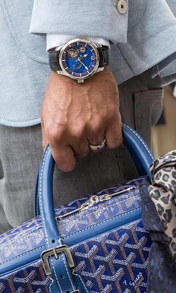 """Где купить онлайн недорого подарки для всей семьи: часы наручные? Купить онлайн недорого : часы наручные : мужские, механические с автоматическим заводом в Сумах (Украина) интернет магазие одежды и аксессуаров """"Элегант"""" - коллекция модных часов сезона 2014 года (смотреть онлайн бесплатно фото). Подарки: красивые часы наручные мужские 2014 - это настоящие шедевры, выполненные профессионалами своего дела. Помимо точности хода и различных дополнительных функций, наручные часы несут в себе и огромную имиджевую нагрузку. Мужские часы стали своего рода показателем статуса и стиля своего владельца, эти аксессуары выгодно подчеркивают индивидуальный образ и гармонично вливаются в выбранный стиль. На нашем сайте: интернет магазин одежды,нижнего белья и аксессуаров """"Элегант"""" Дорогие посетители, Вы сможете купить подарки : часы наручные и все, что Вам понравится. Желаем Вам, Дорогие, приятных и успешных покупок в нашем интернет магазине """"Элегант""""!"""